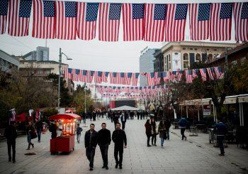 Čiji su Amerikanci?