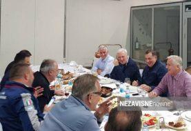 TOPLO - HLADNO: Dodik i Pavić u veseloj atmosferi na privatnom druženju FOTO