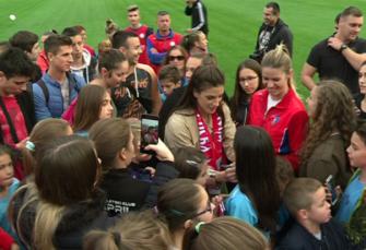 IVANA ŠPANOVIĆ U BANJALUCI: Druženje s mladim atletičarima na Gradskom stadionu