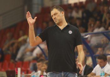 NAKON PETOG PORAZA U NIZU Trener KK Partizan Nenad Čanak podnio ostavku