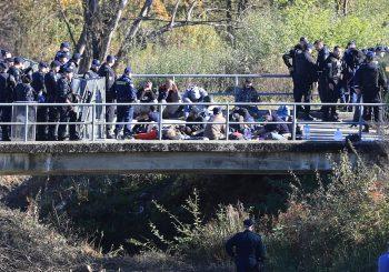 """""""CRNA KNJIGA"""": Mreža NVO predala Evropskoj komisiji izvještaj o zlostavljanju migranata na granicama EU"""