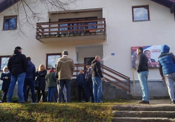 ISTOČNI DRVAR Tuča štrajkača i protivnika smjene direktora šumskog gazdinstva