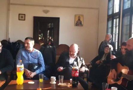 """HIP HOP U MANASTIRU """"Beogradski sindikat"""" u Gračanici izveo pjesmu """"Dogodine u Prizrenu"""" VIDEO"""