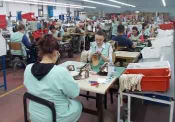 FABRIKE OBUĆE U RS Sve više praznih mjesta za mašinama, zbog malih plata radnice odlaze u inostranstvo