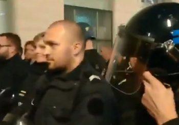NE ŽELE PROTIV NARODA Francuska policija stala uz demonstrante