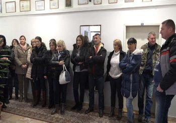 VODOVOD U GACKU Radnici najavili da će zavrnuti ventile, odustali od štrajka jer im je obećana jedna plata