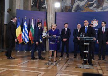 ZVANIČNO Vučić sa premijerima Grčke, Bugarske i Rumunije o zajedničkoj kandidaturi za EP i SP u fudbalu
