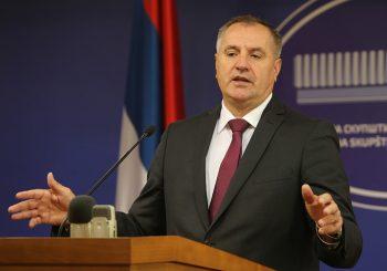 VIŠKOVIĆ: Ministre i direktore neće moći da sačuvaju stranke