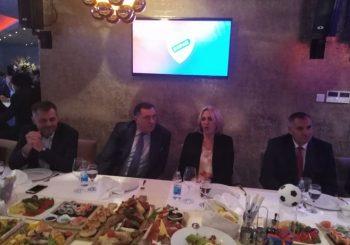 CRVENO-PLAVO VEČE Dodik, Cvijanovićeva i Višković dogovorili da FK Borac dobije 500.000 KM