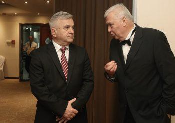 DNS PRED RASPLETOM: Paviću samo dva ministarstva, Čubriloviću mjesta u vladi i sve funkcije po dubini
