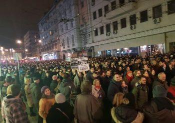 TREĆI PROTEST Opozicionari tvrde da su u centru Beograda okupili 35.000 ljudi VIDEO