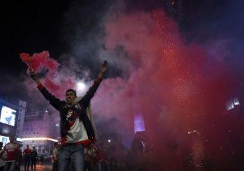 LUDILO U BUENOS AJRESU Navijači u transu nakon trijumfa Rivera protiv Boke u Kopa Libertadores