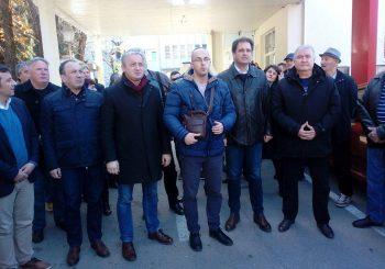 PREDSTAVLJEN U PROTESTNOJ ŠETNJI: Saša Borjan kandidat opozicije za gradonačelnika Trebinja