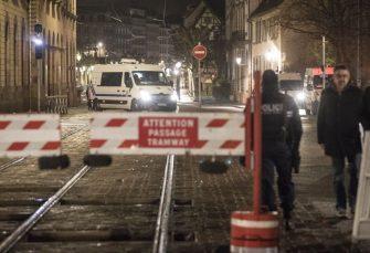 VELIKA AKCIJA Francuska policija opkolila napadača kod katedrale u Strazburu