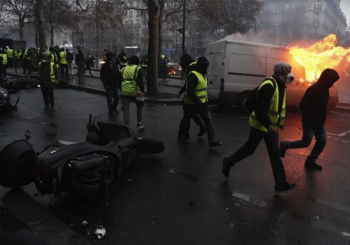 "PROTESTI ""ŽUTIH PRSLUKA"" U FRANCUSKOJ Borba srednje klase protiv elite"