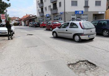 PUTEVI STARI VIŠE OD 40 GODINA Haotično stanje saobraćajnica u Srpskoj