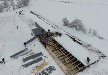 MRKONJIĆ GRAD Snijeg srušio krov štale, stradalo sedam krava, još osam u teškom stanju