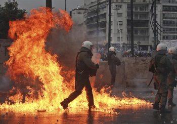 SUZAVAC U ATINI Neredi zbog Makedonije!
