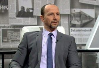 NESTANDARDNO Voditelj Aleksandar Stanković pozvao Đorđa Balaševića u emisiju bilbordom u Novom Sadu