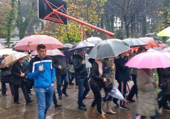 PORUKA IZ BIHAĆA: Ako Mektić za osam dana ne preuzme brigu o migrantima, sve ih šaljemo u Sarajevo