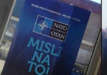 TRAŽE HITNO UKLANJANJE: Srpske stranke protiv NATO-plakata u srednjim školama u Brčkom