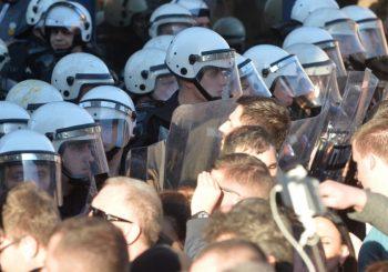 REBIĆ: U napadu demonstranata povređeno više policajaca