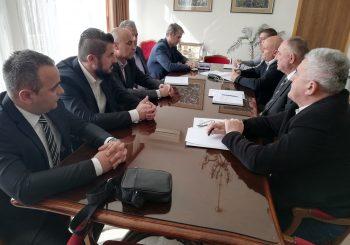 PRIJEDOR: Gradonačelnik, bošnjački odbornici i Forum za bezbjednost osudili međunacionalne incidente