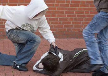 UHAPŠENI MLADIĆI U TESLIĆU: Pretukli maloljetnika, vozili ga u gepeku i bacili u kontejner