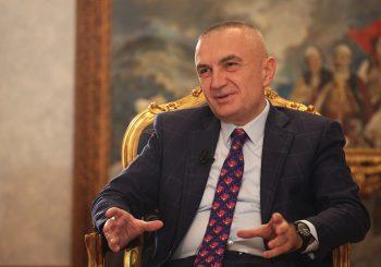ORIGINALNO: Predsjednik Albanije nudi ostavku, ali i samoubistvo, ako će to riješiti krizu u zemlji