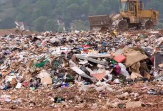 SVAKA ČAST: Omladinci vladajućih i opozicionih stranaka zajedno uklonili divlju deponiju kod Bijeljine