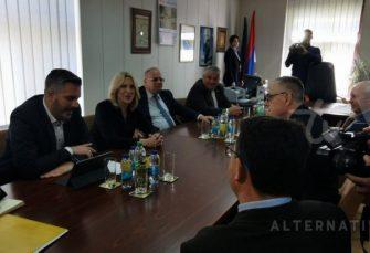 POSJETA: Cvijanovićeva u Tesliću, za istim stolom okupila Miličevića i Bogdanića