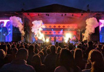 ZVIJEZDA KOJA NE BLIJEDI: Zdravko Čolić oduševio publiku na koncertu u Banjaluci