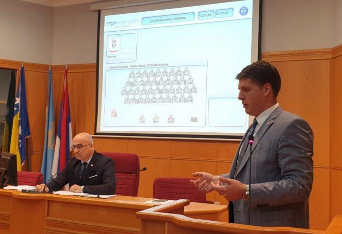 TREBINJE: Većina oko SNSD-a smijenila potpredsjednika Skupštine grada iz DNS-a, novi iz Ujedinjene Srpske