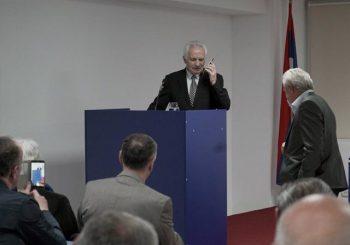 JEDAN UŽIVO, DRUGI TELEFONSKI: Momčilo Krajišnik i Radovan Karadžić u Srpskoj kući u Podgorici