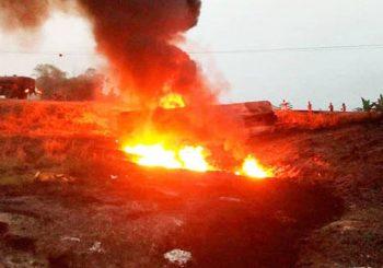 NIGER: Najmanje 55 poginulih u eksploziji, pokušavali da pokupe benzin iz prevrnute cisterne