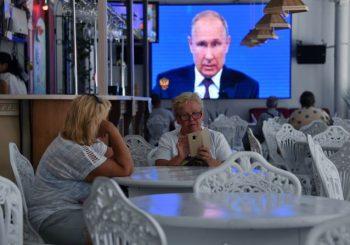 """""""DIREKTNA LINIJA"""": Putin u specijalnom programu odgovarao na pitanja ruske javnosti o domaćim i globalnim prilikama"""