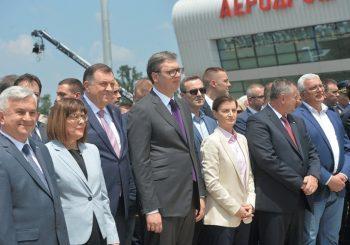 VUČIĆ OTVORIO AERODROM KOD KRALJEVA: Dodik, Višković i Čubrilović na sastanku sa Srbima u regionu