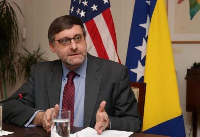 S kakvim konceptom je visoki funkcioner Stejt departmenta napisao roman, u kojem se lider RS zove Zoran Dimitrović?