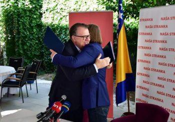 NASTAVLJAJU BEZ KOMŠIĆA: Nikšić i Kojović potpisali novi koalicioni sporazum