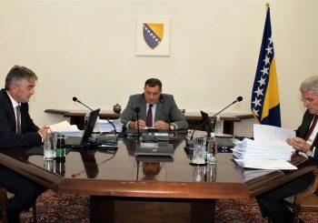 SJEDNICA PREDSJEDNIŠTVA BIH: Dodik za mjere povodom migrantske krize, ali protiv slanja vojske na granicu