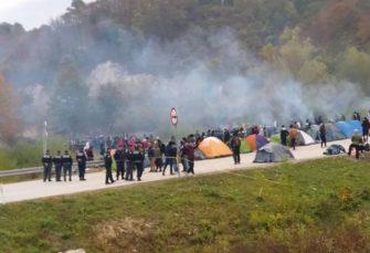 Drama u Unsko-sanskom kantonu: Niko ne zna koliko ima migranata, broj možda premašuje i 30.000