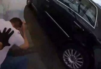 FILMSKE AKCIJE HAPŠENJA: Došao da proda drogu po dogovoru, nije ni slutio da je kupac inspektor