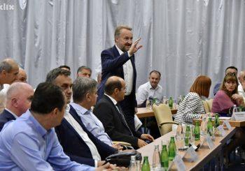 IZETBEGOVIĆ: Dodik je odgovoran za krizu u koju sada tonemo, odgovornost i na Čoviću