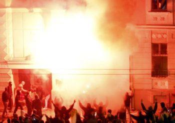 DŽENIFER BRAŠ: Koštunica je glavni krivac za paljenje ambasade SAD u Beogradu 2008. godine