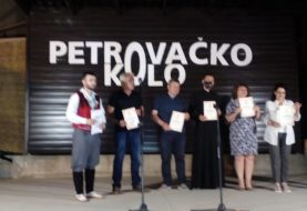"""U Bosanskom Petrovcu održana folklorna manifestacija """"Petrovačko kolo"""""""