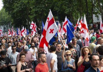 TENZIJE: Nakon antiruskih protesta i uvreda, Duma jednoglasno za sankcije Gruziji, Putin ipak protiv