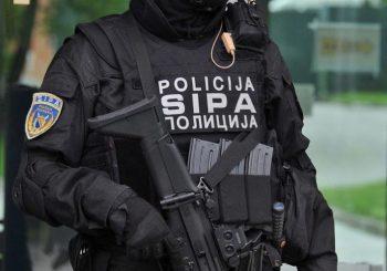 POVEZANI SA ZLOGLASNIM KLANOVIMA IZ CRNE GORE: Na području Zenice uhapšene tri osobe