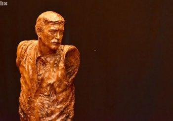 """U SKLOPU FESTIVALA """"GRAD"""" U Sarajevu otkrivena skulptura posvećena muzičkoj legendi Davorinu Popoviću"""