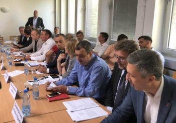 SASTANAK: Savez za Srbiju najavio bojkot izbora ako SNS do 15. septembra ne ispuni uslove opozicije