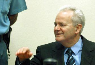 POSLJEDNJI PRIJE HAGA: Objavljen snimak Slobodana Miloševića iz američke vojne baze u Tuzli VIDEO